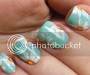 nails daisy nail art