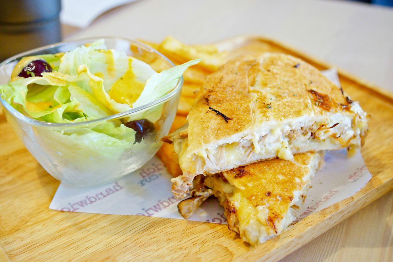 你掉進湖中的是 金靠腰 還是 銀靠腰 : 高雄-漢明治 handwich+cafe 美術館店 早午餐 古巴三明治 漢堡