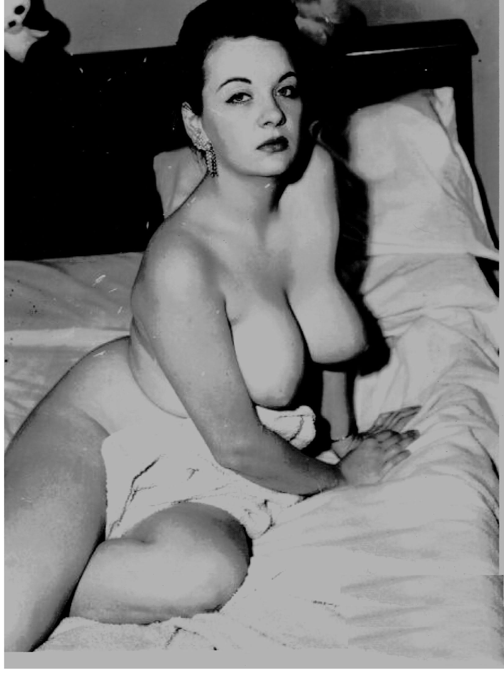 Yvonne De Carlo Nude Pictures : yvonne, carlo, pictures, Yvonne, Carlo, XPornxNakedx
