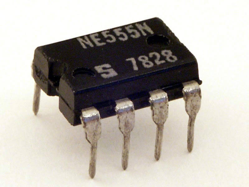 Com Circuit Ic 555 Single Ic Organ By Ic Ne556