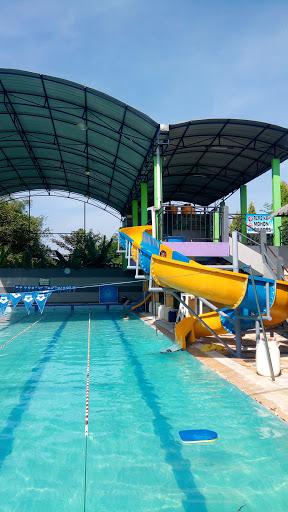Kolam Renang Sidoarjo : kolam, renang, sidoarjo, Kolam, Renang, Golden, Aquatic