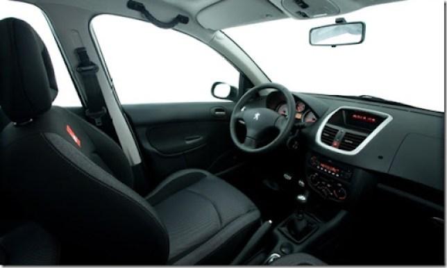 Peugeot-207-Quiksilver-2012 (3)