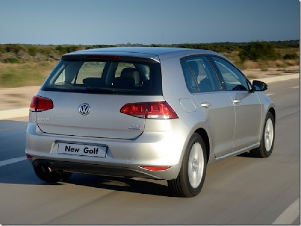 volkswagen_golf_tsi_bluemotion_5-door_za-spec_24