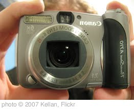 'the new camera!' photo (c) 2007, Kellan - license: http://creativecommons.org/licenses/by/2.0/