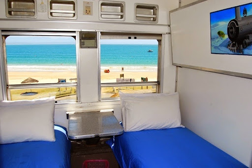 santos-express-train-lodge-9
