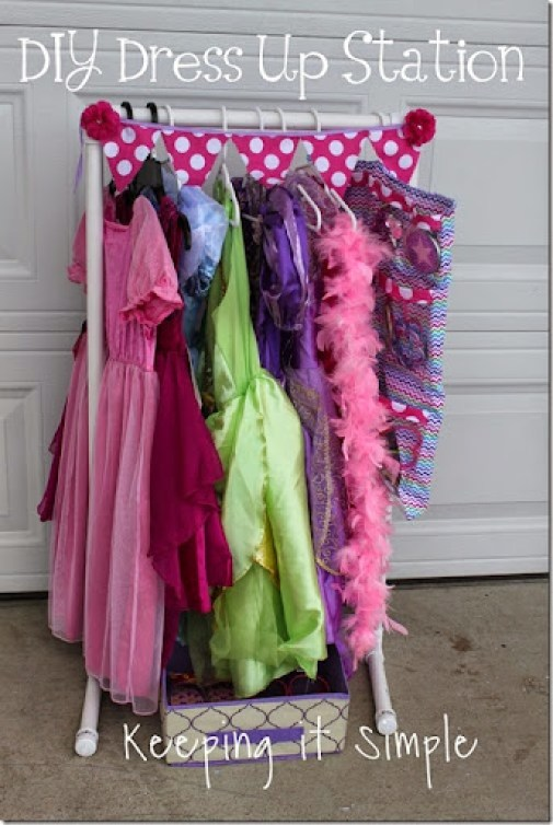 DIY Little Girls Dress Up Station