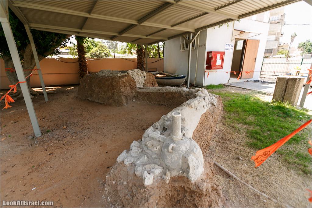 LookAtIsrael.com - Фото путешествия по Израилю | Арочный подземный бассейн в городе Рамла | The Pool of Arches in Ramla
