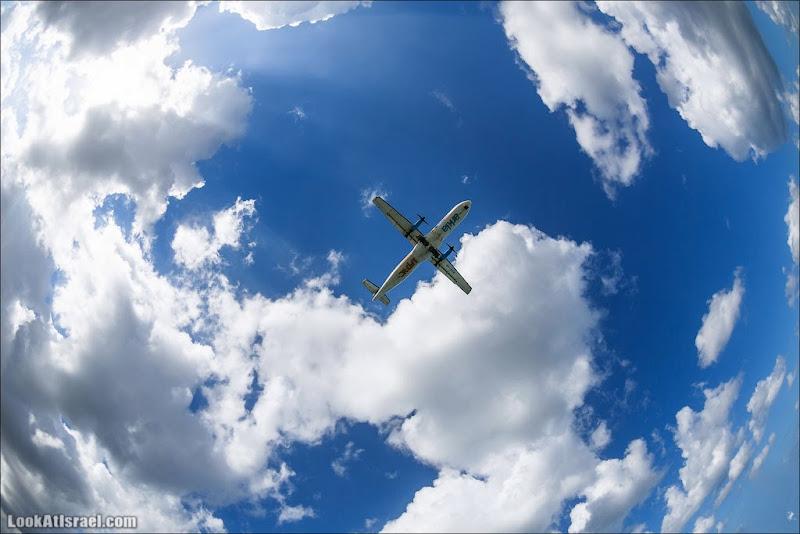 Пролетающие над Тель Авивом