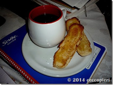 Tostado con mantequilla y café (2)