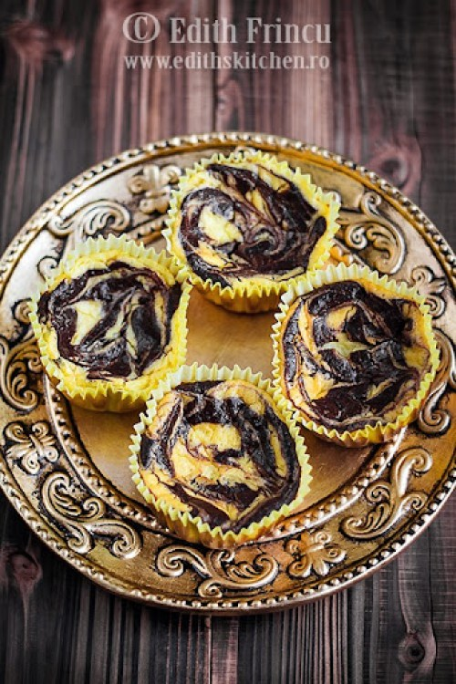 mini cheesecakes cu cacao