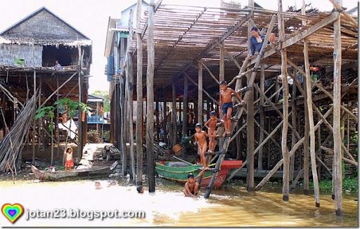 siem-reap-cambodia-jotan23 -stilt-village