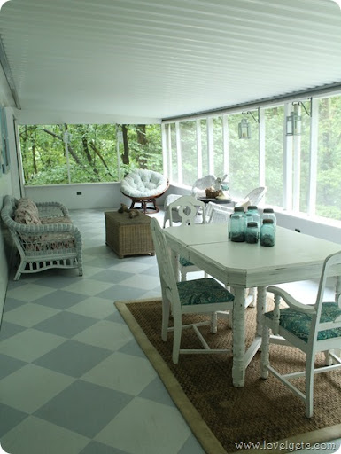 cozy painted screened porch