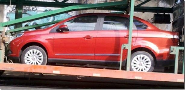 Fiat Grand Siena 2013 (1)