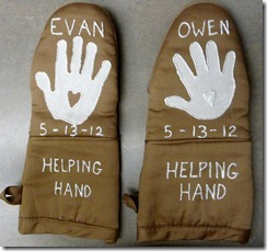 Hand print oven mitt by Sonshine Classical Academy