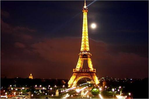 550px-eiffel_tower_paris_8
