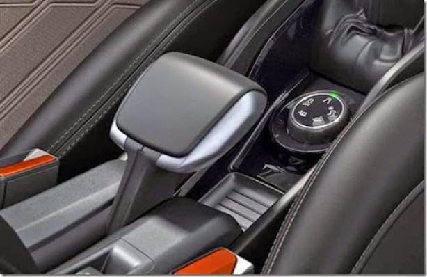 Peugeot-2008-interior-02