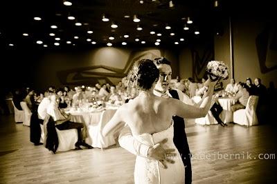 porocni-fotograf-wedding-photographer-ljubljana-poroka-fotografiranje-poroke-bled-slovenia- hochzeitsreportage-hochzeitsfotograf-hochzeitsfotos-hochzeit  (209).jpg