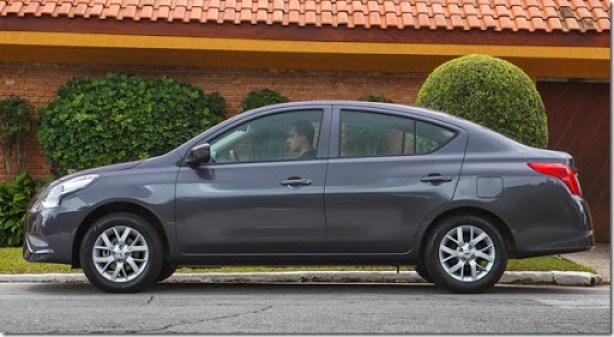 Nissan Novo Versa 1.0 S (20)