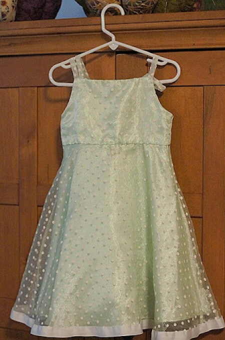 Make a Christmas tree skirt from a girls dress - choosetothrive.blogspot.com