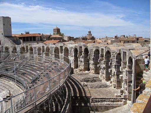 Arles-anfiteatro-3