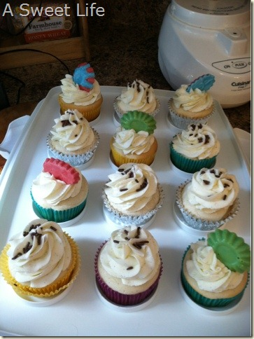 Vanilla bean cupcakes with Molded Chocolate Toppers