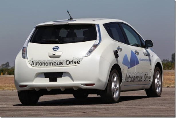 Nissan-Autonomous-Drive-test-LEAF-rear-view