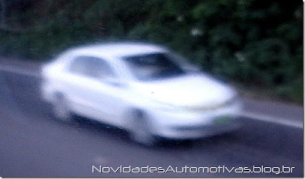 Volkswagen Voyage 2014 (1)