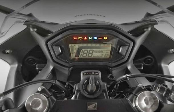CBR 500R (14)