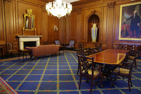 This was a lounge area on the Senate side.