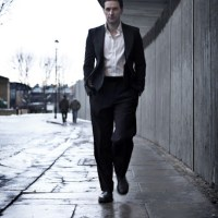 Why I Love Full Body Photos of Richard Armitage