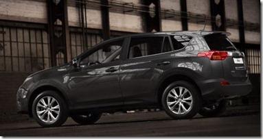 2013-Toyota-RAV4 (4)