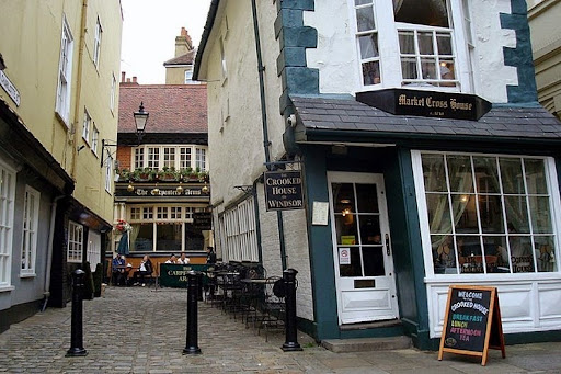 The Crooked House of Windsor  Amusing Planet