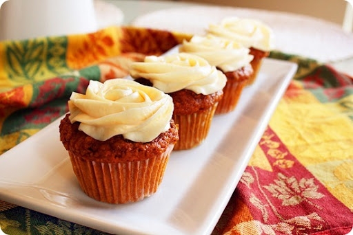 Moist Carrot Cupcakes With Cream Cheese Frosting