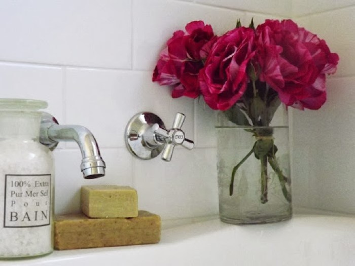 flowers in the bathroom oct 2013 (6)