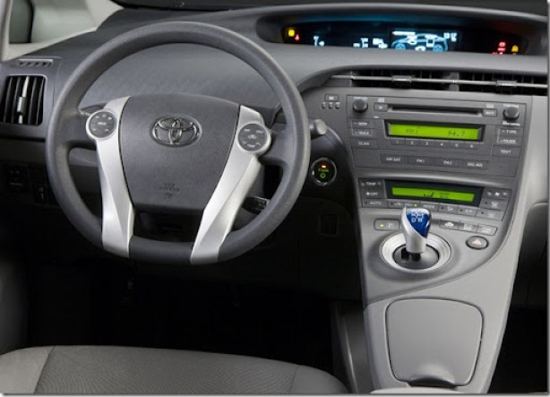 Toyota-Prius_2010_1600x1200_wallpaper_1b