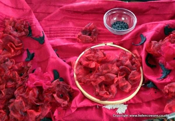 Poppies in hoop 001