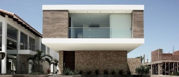 fachada-piedra-y-madera-Sommet-Asociados