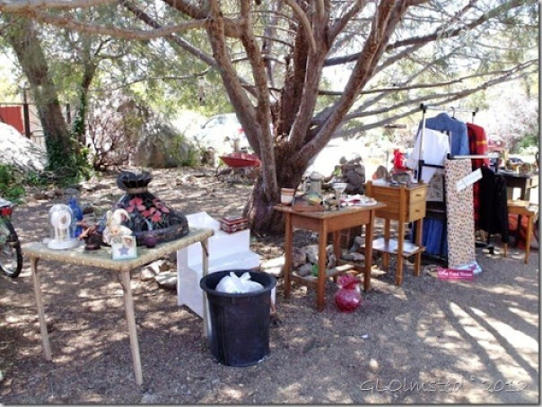 03 Yard Sale at Berta's Yarnell AZ (800x600) (800x600)