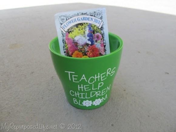 Teachers Help Children Bloom (7)