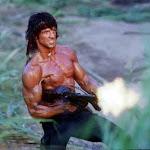 Empreendedor Rambo com sua metralhadora de features