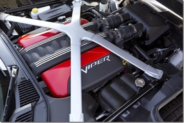 2015-Dodge-Viper-12