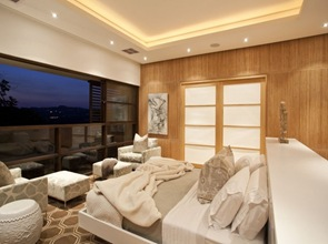 habitacion cama de diseño revestimiento madera
