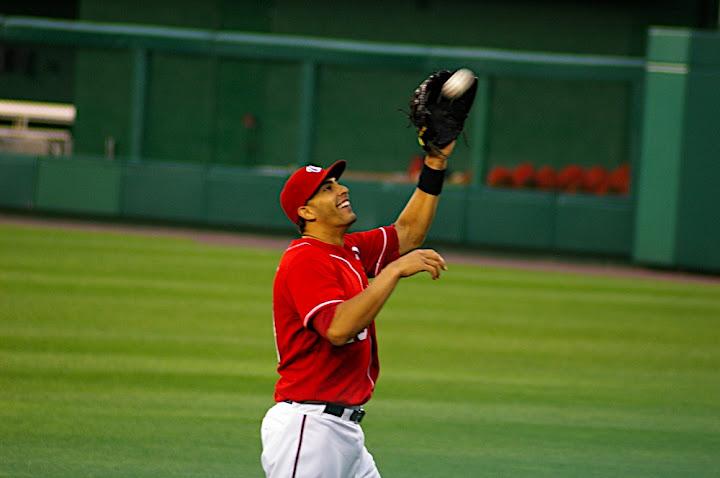 Michael Morse plays catch