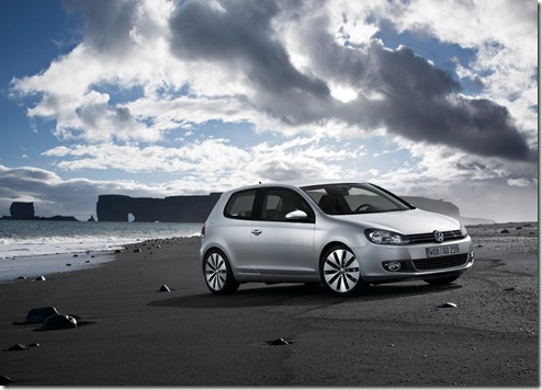 Volkswagen-Golf_2009_1024x768_wallpaper_05