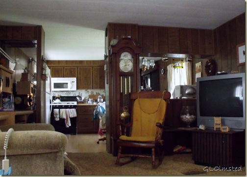 a997 Mom's living room into kitchen 1007 Wax St San Benito TX (1024x734)