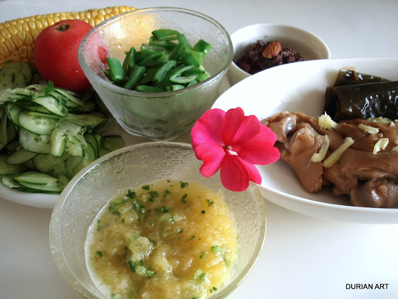 Shiri-shiri and trotter lunch, Okinawan style