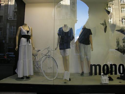 cím: Mono Fashion 1054 Budapest, Kossuth Lajos utca 20