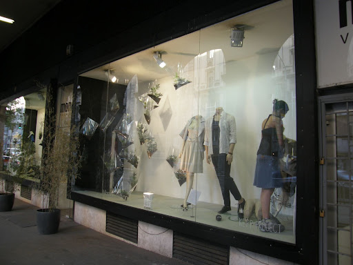 cím Mono Fashion 1054 Budapest, Kossuth Lajos utca 20