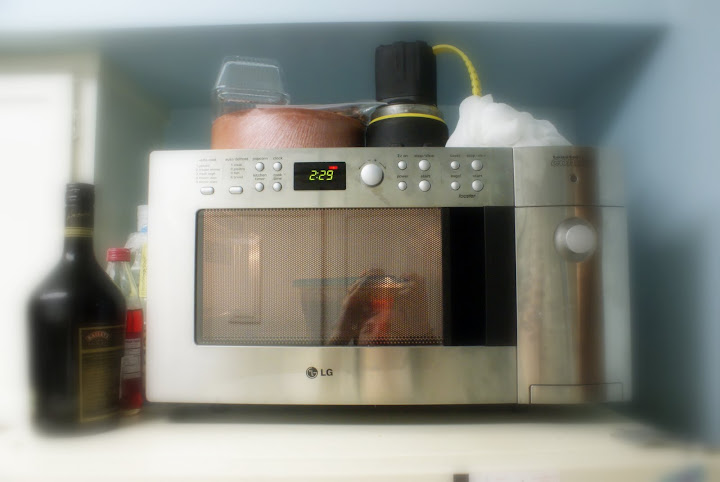 Cue the dramatic music as the new micro very effectively (and rotationally) reheats some spaghetti sauce.