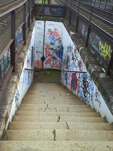 Budafok, Budapest,  falfirka,  teg, street art, graffiti,   graffito, vandalizmus, hülyeség